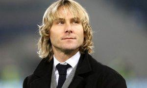 Pavel Nedvěd dostal za loňskou sezonu v Juventusu prémie ve výši 8 milionů korun.