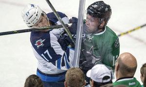 Faksa si v NHL buduje pověst. Defenzivně je na něj spoleh, těší kouče