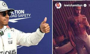 Tohle je u Hamiltona v klidu! Pilot F1 odhalil veřejnosti svoji magickou velikost