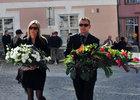 Petr Gřegořek s manželkou se jdou rozloučit s Janem Markem