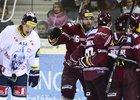 Hokejisté Sparty se radují z gólu do sítě Liberce