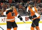 Jakub Voráček se stále snaží bodově dohnat Crosbyho.