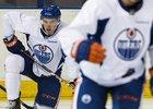 Connor McDavid už přijímá tréninkové dávky v barvách Edmontonu.