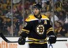 Krejčí bodově táhne mužstvo, Bruins to ale nestačí.