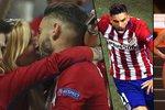 Fotbalista Atlétika Madrid Yannick Carrasco běžel po vyrovnání ve finále Ligy mistrů proti Realu za svou přítelkyní pro pusu