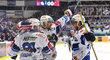 Hokejisté brněnské Komety se radují z gólu do sítě Liberce