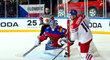 Na ruského gólmana Andreje Vasilevského byl krátký i český střelec Roman Červenka