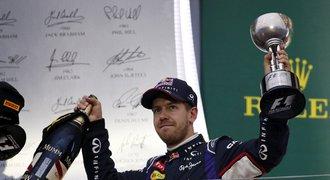 Je hotovo! Vettel podepsal u Ferrari t��letou smlouvu, Alonso odch�z�