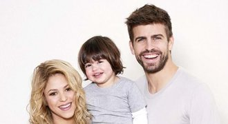 Real nenávidí až za hrob, přesto má Piqué doma jeho dres. Může za to Shakira?