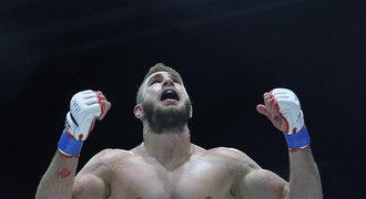 Gladiátor Procházka opět ničil. Umlátil Poláka a věří si na UFC