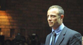 Beznohý atlet Pistorius s krvácením v nemocnici: Pokusil se o sebevraždu?