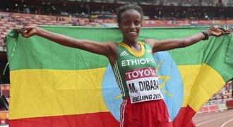 SOUHRN MS: Dibabaová vybojovala maratonský titul. Rozhodla vteřina