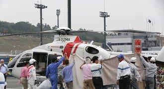 Strach v Japonsku. Motocyklista po těžkém pádu krvácí do mozku