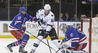 Sharks bez gólové radosti, Hertl byl na ledě Rangers u dvou gólů