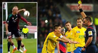 ZLATÁ PÍŠŤALKA: Přehlídka penalt, odpískaných i přehlédnutých