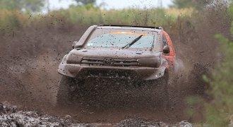 Prokop po penalizaci nakonec na Dakaru desátý, vyhrál Loeb
