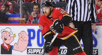 Druhá šance pro Nakládala. Calgary povolalo beka k premiéře v NHL