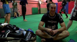 Cesta k z�pasu MMA 5: Redaktor dostal n��ez. Poprv� se rval naostro