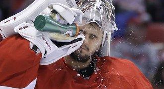 K narozeninám dostal pět kusů! Mrázek přesto v NHL slaví výhru