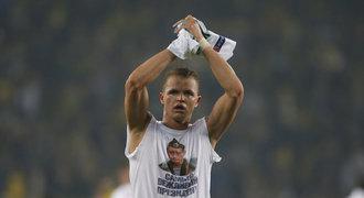 Za tričko s Putinem OSM milionů. Ruský hráč dostal trest od klubu