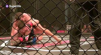 Cesta k zápasu MMA 8: Soupeř odpadl. Kdo redaktora svlékne z kůže?