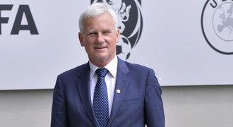Listkiewicz a spol. chtějí komisi sudích otevřít směrem k veřejnosti