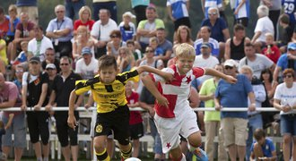Do Monaka vezme legendární útočník Jan Koller mladé slávisty!
