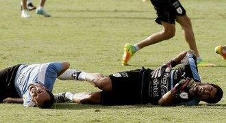 Suárez narazil! Hvězda si hrála na brankáře a skončila v bolestech
