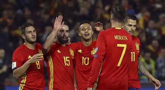 Giganti nadělovali. Španělsko porazilo Makedonii 4:0, jasně vyhrála i Itálie