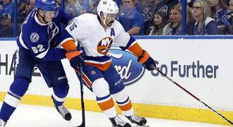 Přestupy NHL ONLINE: Mistr hitů zůstane, Islanders si ho pojistili