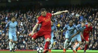 Fanoušci City vypískali Milnera. Ten dal gól a má nový rekord