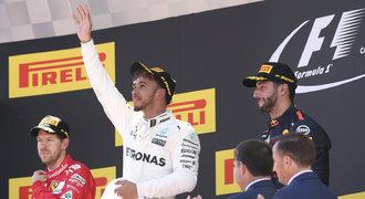 Ve Španělsku vládl Hamilton, náskok Vettela snížil na šest bodů