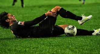 Právní poradna: Má šanci na odškodnění fotbalista, kterého zraní protihráč?