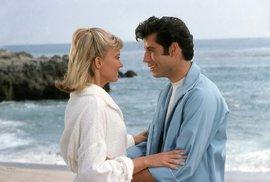 Blíží se 40. výročí filmu Pomáda. A John Travolta něco chystá