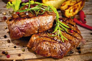 Výborný recept na gril: Steak se sójovou omáčkou a medem