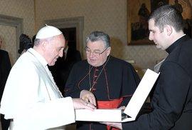 Pošleme dopis do zahraničí, ať si u nás zjednají pořádek. Dopis aktivistů papeži je …
