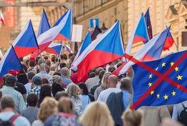 Češi jsou největší euroskeptici, přesto by z EU neodešli. Velký průzkum přinesl…