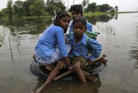 Děti opuštěné kvůli tradici: V Indii stále přežívá starobylý zvyk