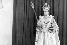 Britské korunovační klenoty v plechovce od sušenek. Jaký byl příběh klenotů za druhé…