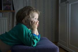 Příručka moderního fotra: Když necháte dítě dívat se na televizi, půjdete do peklíčka