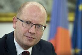 Chyba české diplomacie: Sobotka se neměl scházet s Macronem bez Poláků a Maďarů