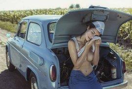 Snímky s lechtivým nádechem a humorným nadhledem od oblíbeného ukrajinského fotografa
