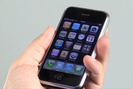 První iPhony fungují ještě dnes. Podívejte se, jak funguje telefon, který změnil svět