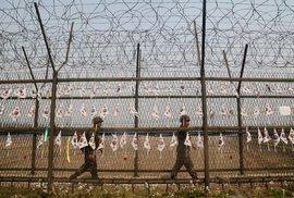 Každému Severokorejci bude uťata hlava aneb Český postřeh z nejstřeženější hranice …