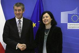 Jourová stranila Babišovi, napomenula ombudsmanka českou komisařku kvůli Čapímu hnízdu