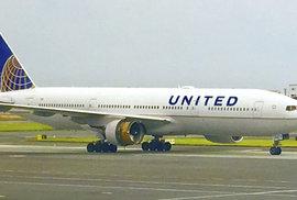 Letuška přinutila pasažérku uložit štěně do úložného prostoru. Udusilo se. Tragická…