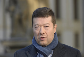 Okamura zůstává. Jeho odvolání znemožnily KSČM, SPD a ANO. Podívejte se, kdo jak …