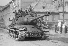 Před 100 lety se v Sovětském svazu zrodila Rudá armáda