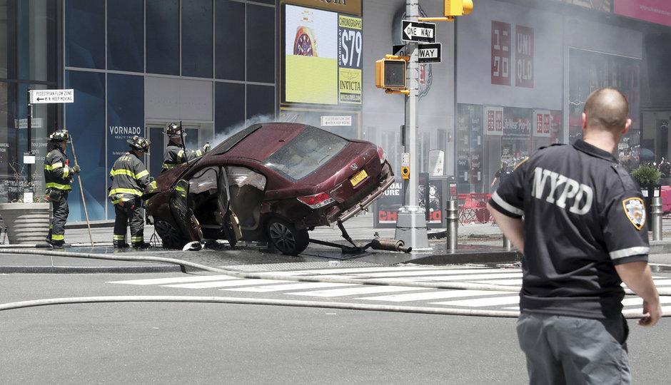 New York krátce po útoku: Řidič najel do davu lidí na Times Square