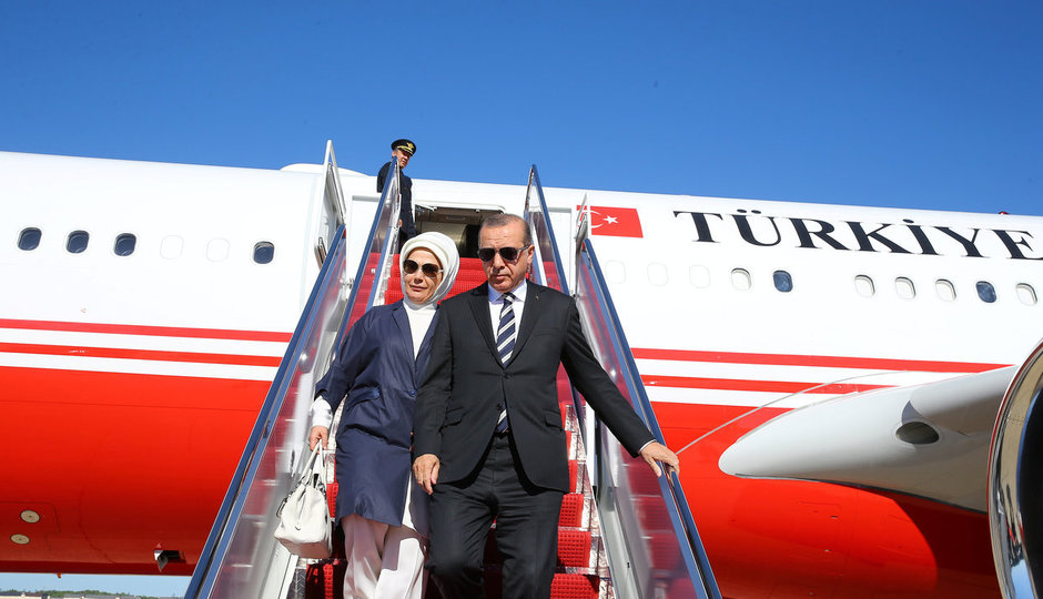 Erdogan přihlížel výprasku pro své odpůrce. Rozpoutal bitku sám?
